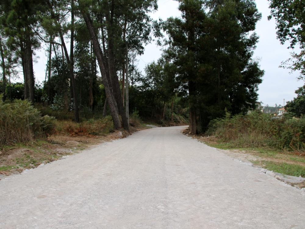 Concluída a pavimentação da Rua de Santa Ana