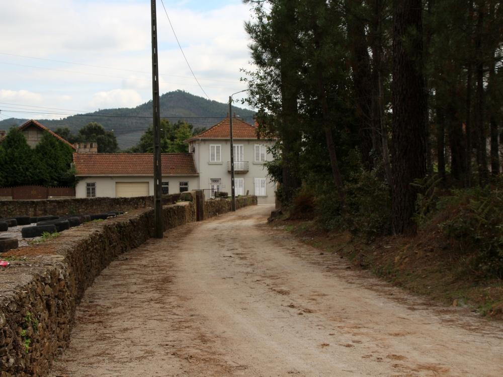 Obras na rua de Santa Ana Água Longa
