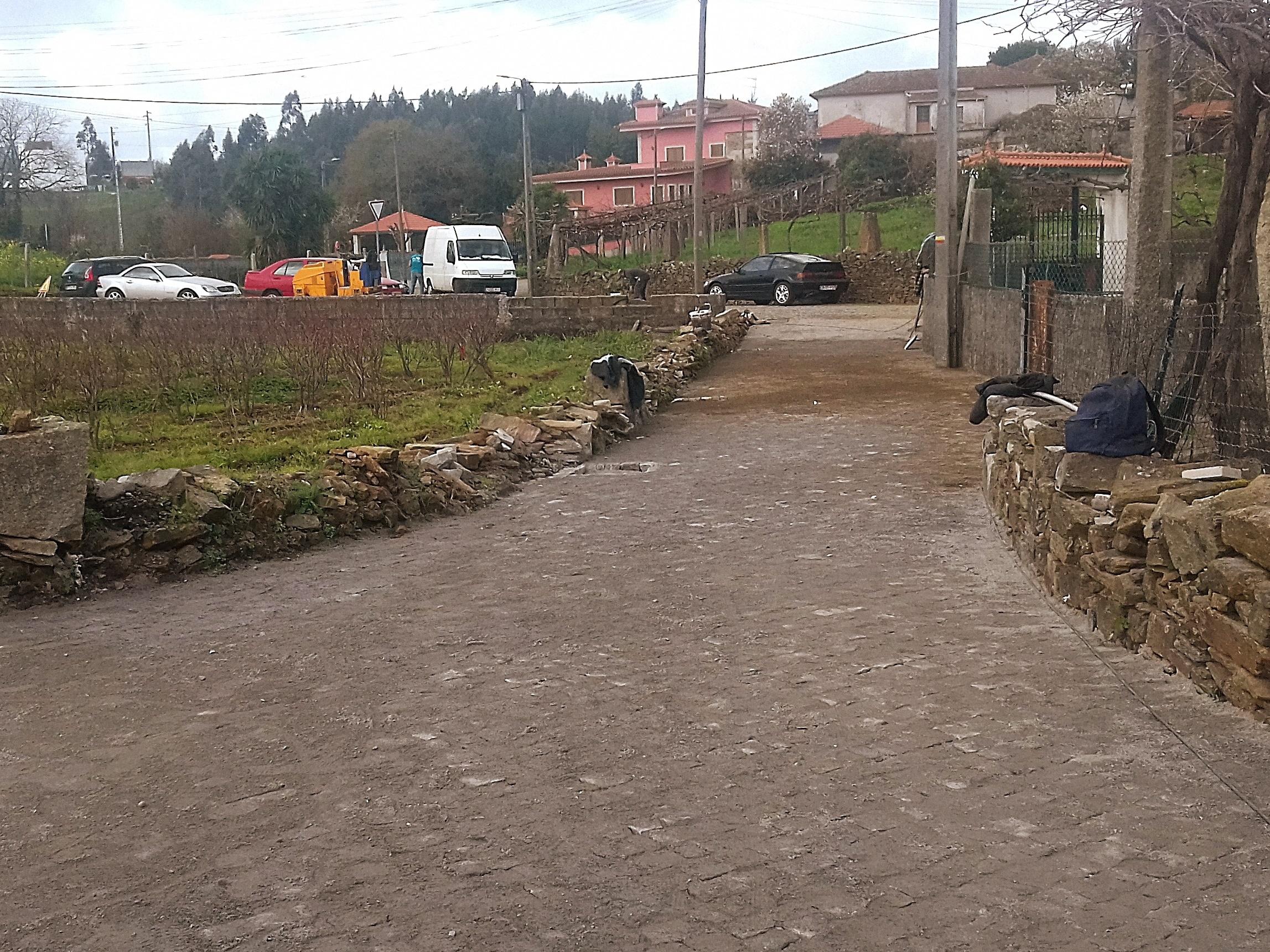 Requalificação parcial do pavimento da Rua do Barreiro